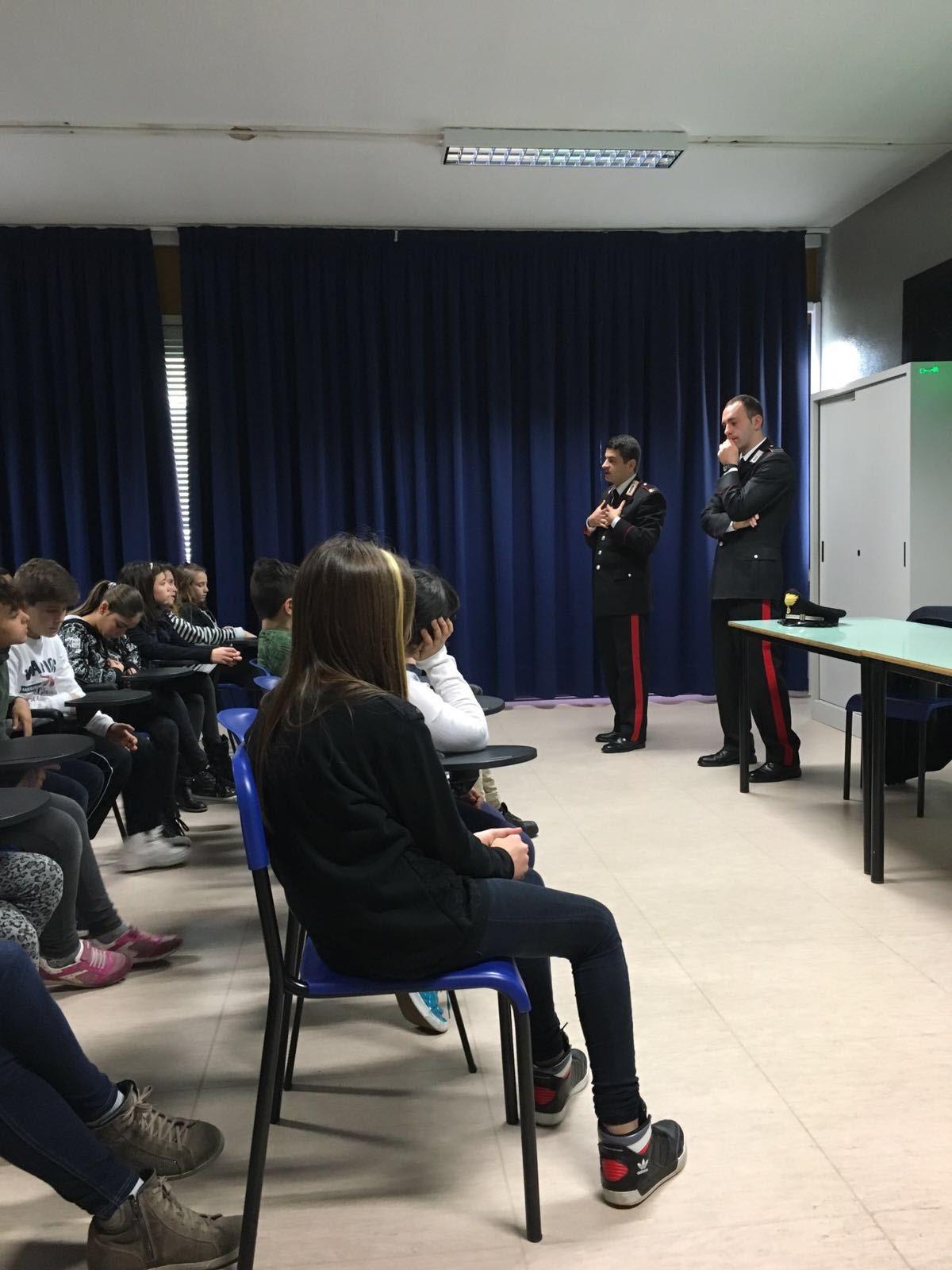 Incontro con i carabinieri